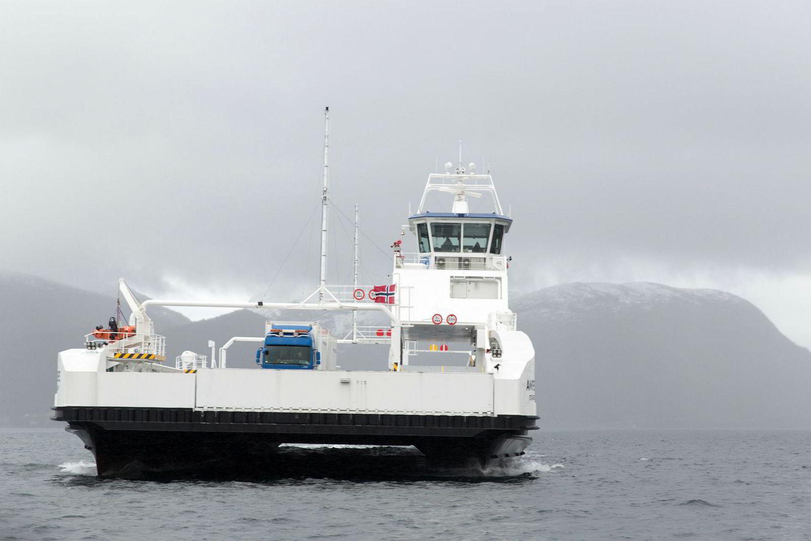 I Sognefjorden frakter elfergen «MS Ampere» allerede i dag reisende lydløst over fjorden.