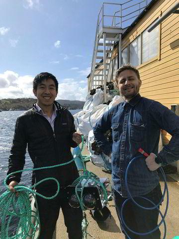 Aquabyte-gründer Bryton Shang har hentet inn 27,6 millioner kroner ni måneder etter oppstart. Her med Preben Imset Matre.