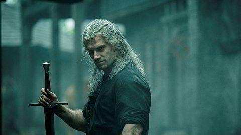 Henry Cavill i rollen som Geralt of Rivia i Netflix-serien «Witcher». Tv-serien er basert på spillene med samme navn, som igjen er basert på en serie fantasy-fortellinger.