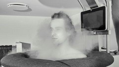 Kuldeterapi. Cryo-sauna er et kammer som kjøles ned av flytende nitrogen, og kan ha en temperatur på inntil 160 minusgrader. Brukes mest som rehabilitering etter trening, men også for andre antatte helseeffekter.