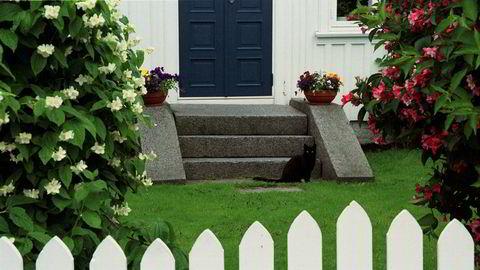 Store deler av huskjøperens plen viste seg å ligge på naboens eiendom (illustrasjonsbilde).