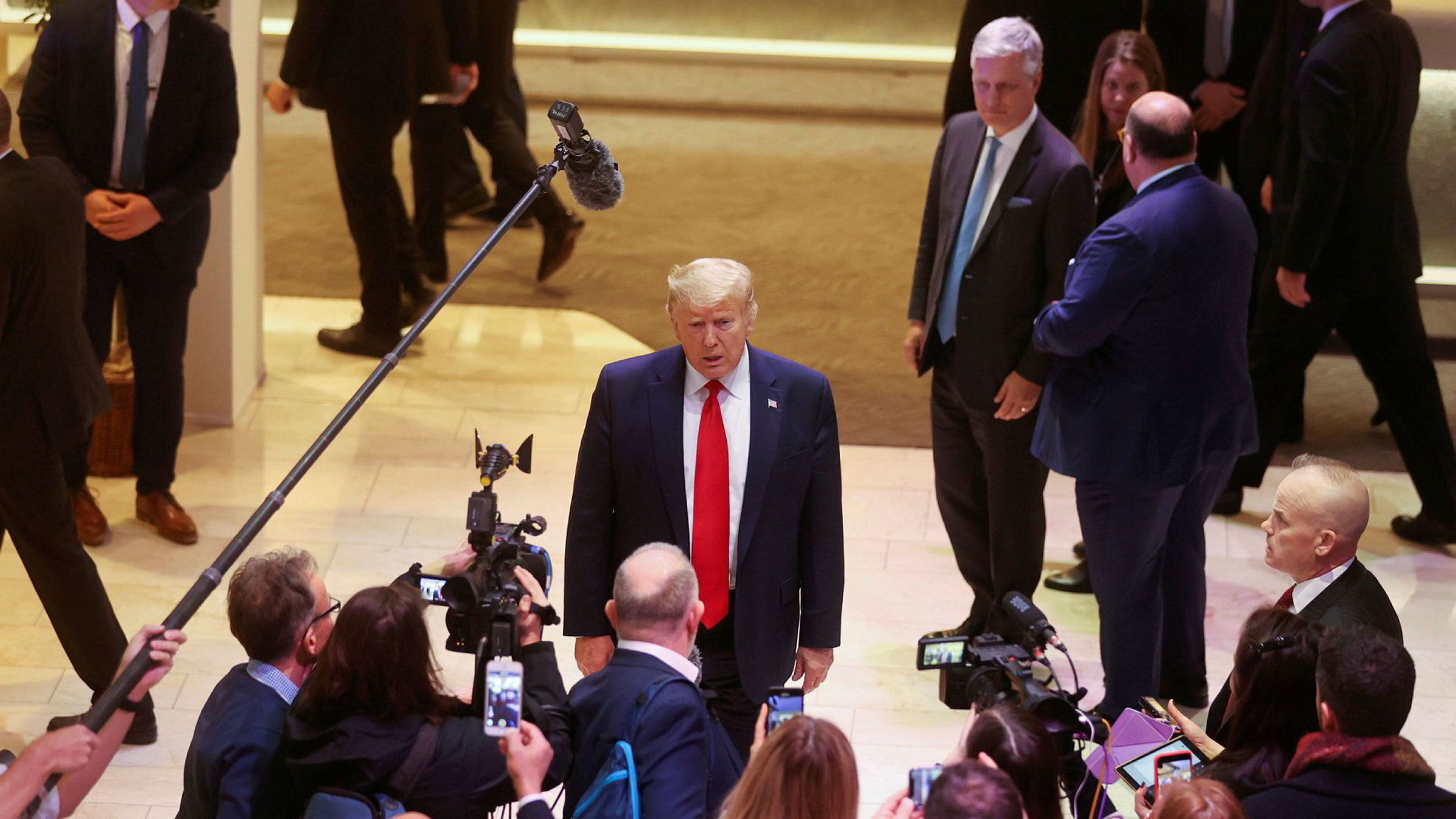Trump-teamet brukte hele 242 millioner kroner på Facebook-annonsering mens riksrettssaken mot USAs sittende president pågikk i januar og februar, skriver Kaja Gilje Sekse. I samme periode besøkte Donald Trump World Economic Forum i Davos.