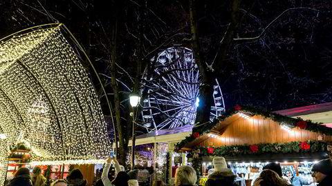 Strømmen var dyrere i Norge enn i Sverige i desember. Her fra julemarkedet i Spikersuppa i Oslo.