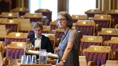 Kari Henriksen (Ap)) er skuffet over at Stortinget ikke vil kutte ut private barnevernsaktører.