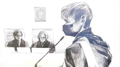 Laila Anita Bertheussen under domsavsigelsen i tingretten 15. januar. I bakgrunnen fagdommer Anniken Nygaard Ottesen og dommer Yngvild Thue