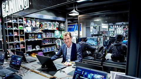 Erik Sønsterud – sjef i Elkjøp – venter seg konkurranse fra Amazon i løpet av høsten.