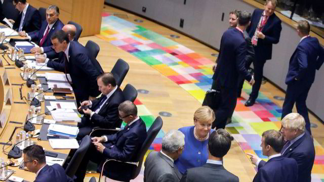 Lang toppmøtekveld i EU med få resultater