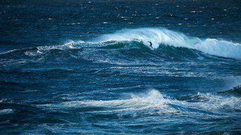 Havesyken. På et hemmelig sted nokså sentralt i Norge har Joel Stevenson oppdaget noen bølger han helst oppsøker alene. Forholdene i dag kunne vært bedre.