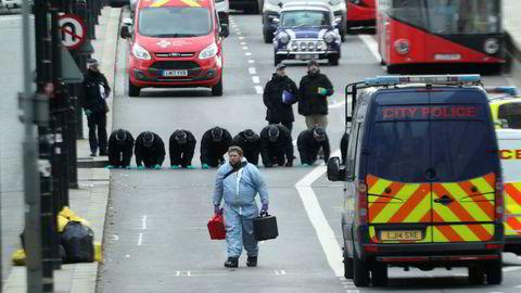Britisk politi fingransker området for terrorangrep på London Bridge. 29. november 2019 ble fem personer knivstukket, to dødelig. «Ved å sikre vår egen stat, beskytter vi også friheten til andre demokratier», skriver artikkelforfatteren.