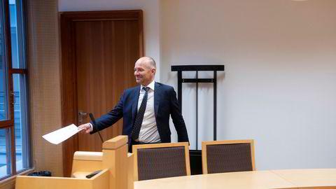 Tore Herbert Hoff dukket aldri opp da selskapet hans Scandinavia Invest Norge ble tvangsoppløst i Oslo tingrett i fjor. Bildet viser bostyrer Klemet Gaski, partner i Bull&Co.