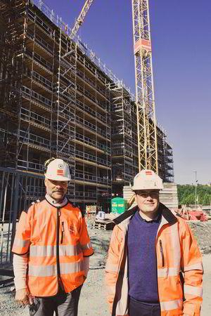 Gullbrekken og Karlsen håper Veidekkes prosjekt kan inspirere hele bransjen til å tenke nytt.