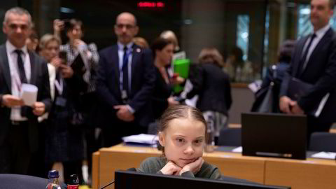 Greta Thunberg, på et møte i Brussel 5. mars 2020 – Rett før Koronakrisen traff. Nå er hun etterlyst av innleggsforfatteren.