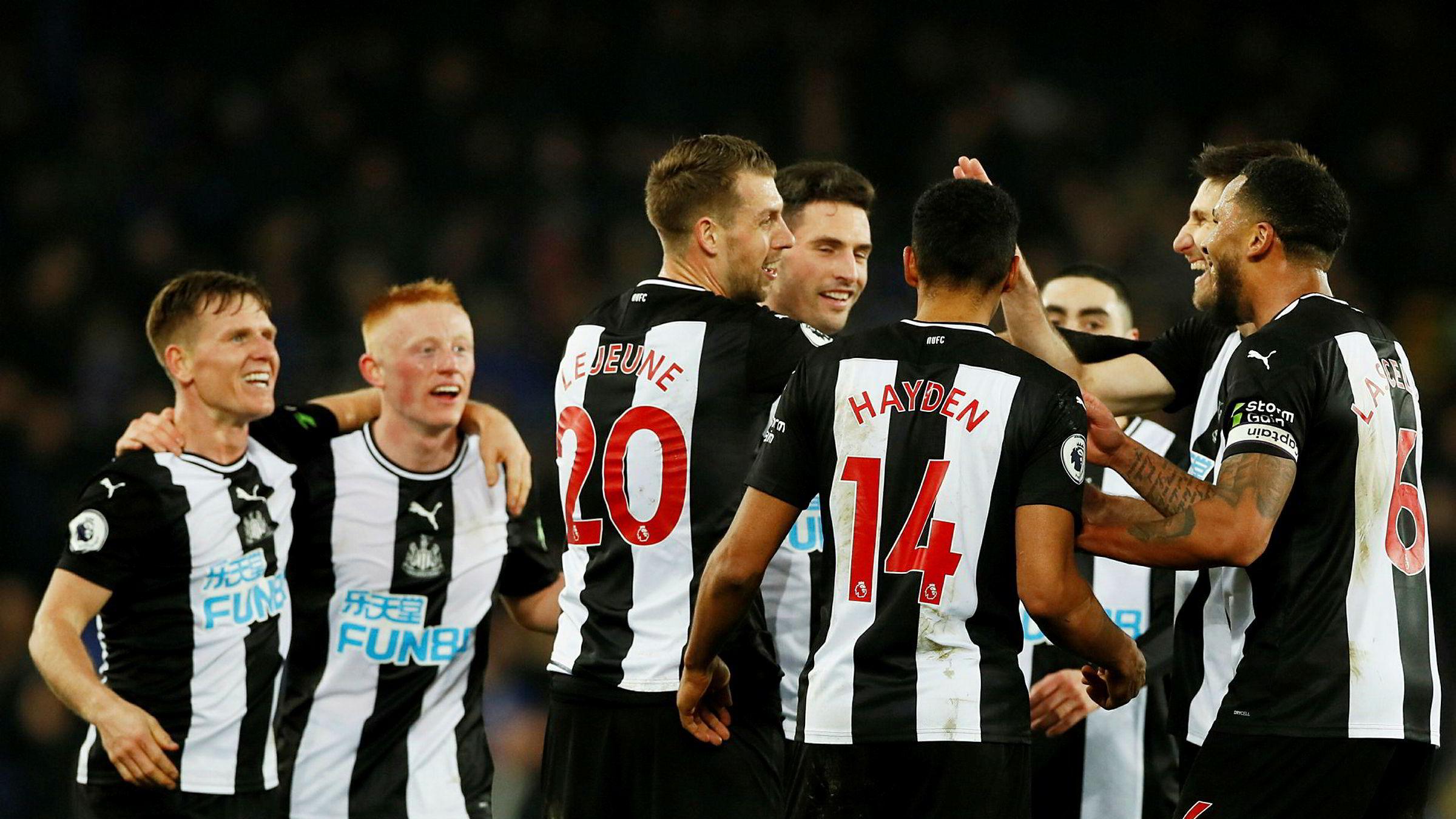 Tyneside-klubben Newcastle United, som figurerte tungt i filmen «Goal» fra 2005, skal ifølge WSJ nærme seg å bli kjøpt opp. Avbildet er Newcastle-spillere som feirer mål i 2-2-kampen mot Everton tidligere denne uken.