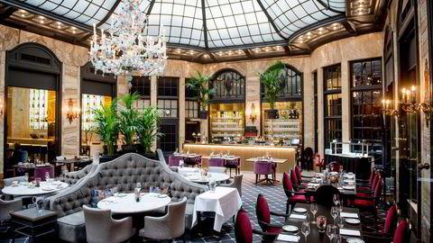 Helsedirektoratet vil ikke at Palmen på Grand Hotel i Oslo eller andre skal få skjenke alkohol. Ellers kan de holde åpent.