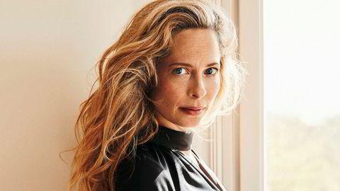 Morsroller. Til høsten er Maria Bonnevie aktuell i to filmer. I begge spiller hun mor. Men først skal hun selv bli mor for tredje gang