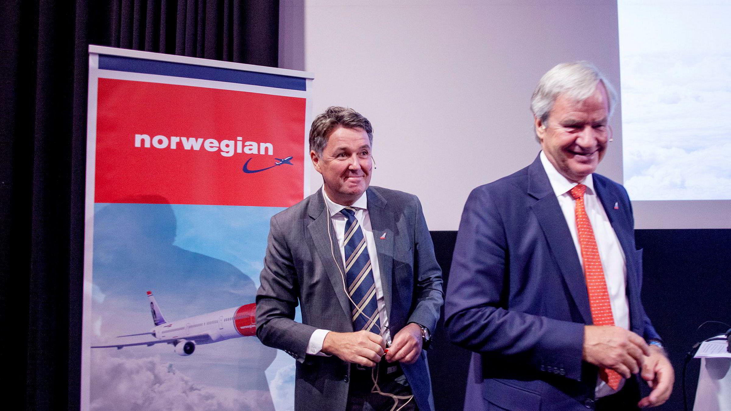 Senest i sommer overlot Norwegian-gründer Bjørn Kjos (fra høyre) roret som toppsjef til en midlertidig erstatter, Geir Karlsen. Finansredaksjonen diskuterer denne uken jobben han har gjort – og hva som gjenstår.