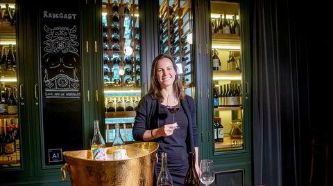 Vinmaker Martha Stoumen lager viner utenom normen i California.