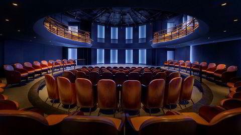 Kulturell oase. Boulevard Theatre kan brukes til konferanser om morgenen, moteshow om ettermiddagen, teater om kvelden – og nattkabaret etter det.