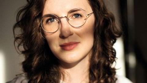 """Slakterens bok: Store forventninger er knyttet til den amerikanske litteraturkritikeren Lauren Oylers debutroman, Fake Accounts. Selv vurderer hun den som """"veldig god""""."""