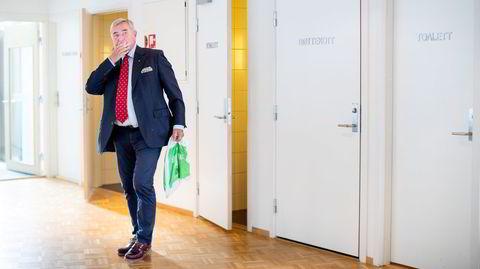 Christen Sveaas vitnet i Ringerike tingrett på Hønefoss onsdag formiddag. Før forklaringen testet han ut toalettfasilitetene på tinghuset.