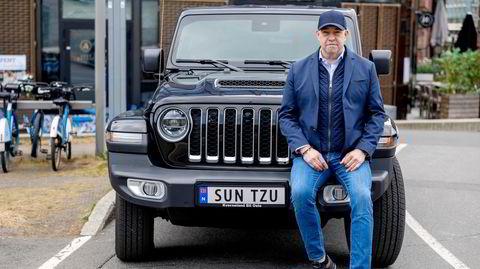 Sun Tzus storverk «Krigføringens kunst» har betydd mye for Morten Klein. Den kinesiske militærfilosofens navn pryder bilskiltet på hans nye Jeep Gladiator.