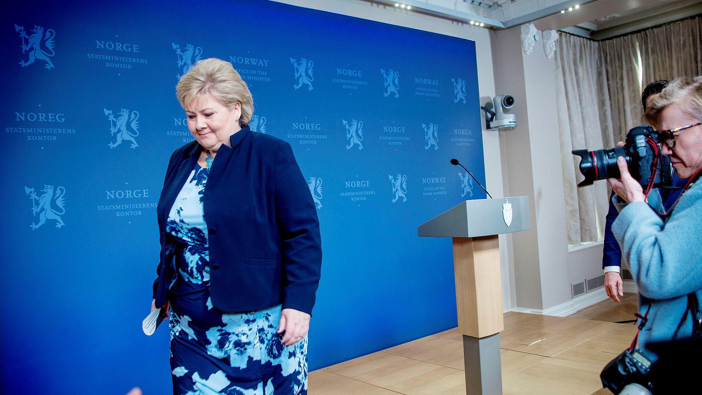 Statsminister Erna Solberg gratulerte Vladimir Putin med seieren i valget.