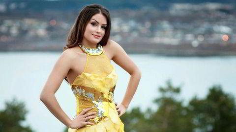Målrettet. Bahareh Letnes har i tidligere intervjuer snakket om modelldrømmen. Hun har til nå representert Iran i tre internasjonale missekonkurranser. Bildet er tatt i Steinkjer og kommer fra en profil opprettet på Miss Norways hjemmesider.