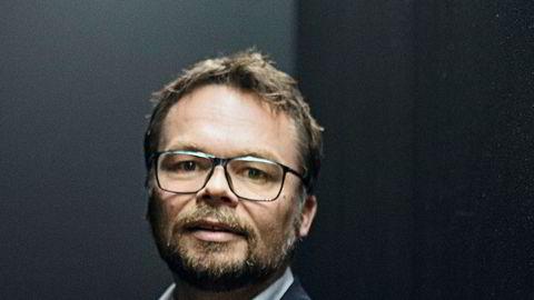 Kid-sjef Anders Fjeld forteller at de har lagt om arbeidsplanene for å holde på flest mulige ansatte. Selskapet sendte ut permitteringsvarsel til 1100 av sine butikkansatte, og har foreløpig permittert rundt halvparten.