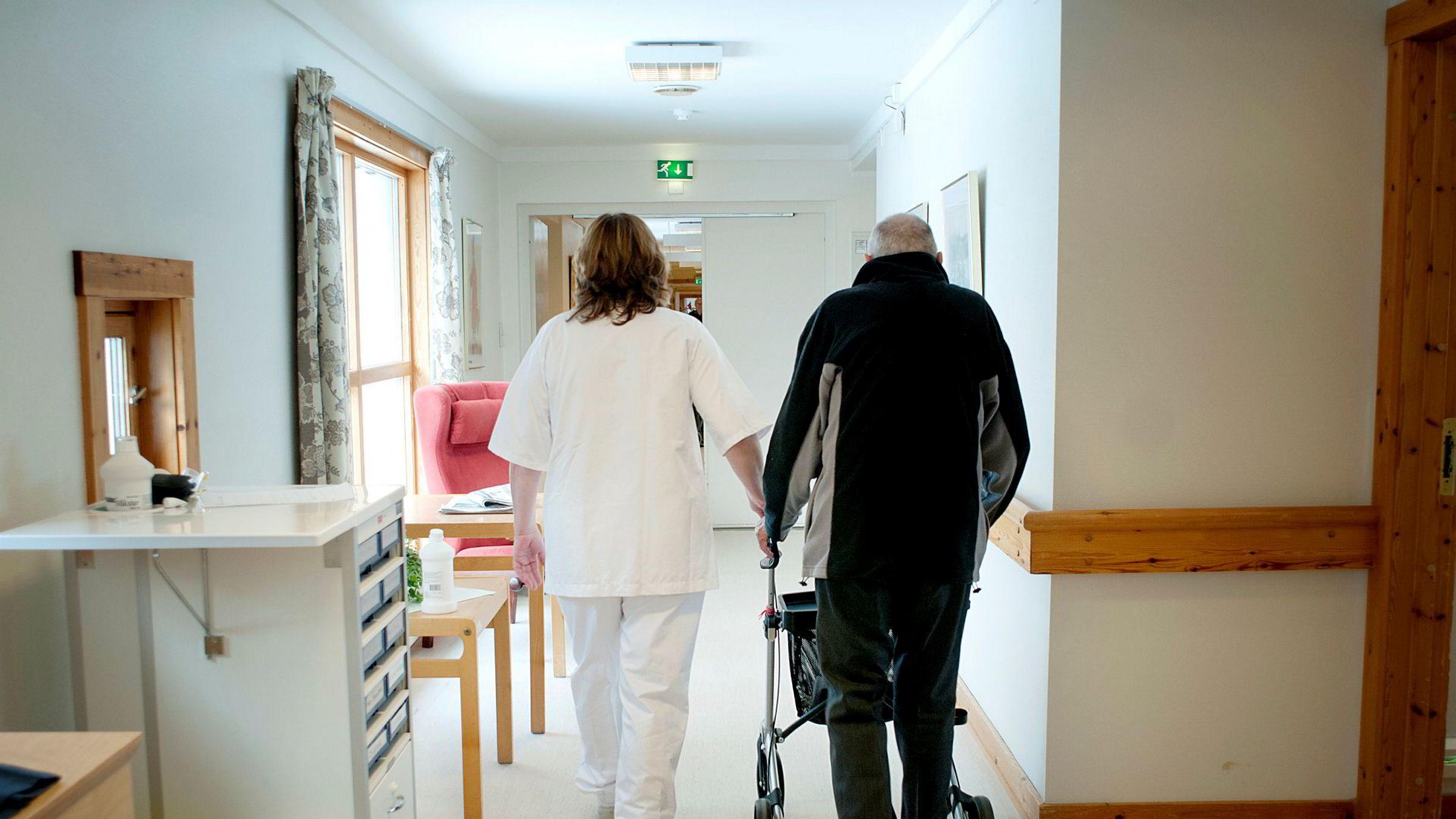 Mye deltid på norske sykehjem skyldes som regel helt andre forhold enn dårlig ledelse, mener artikkelforfatteren.
