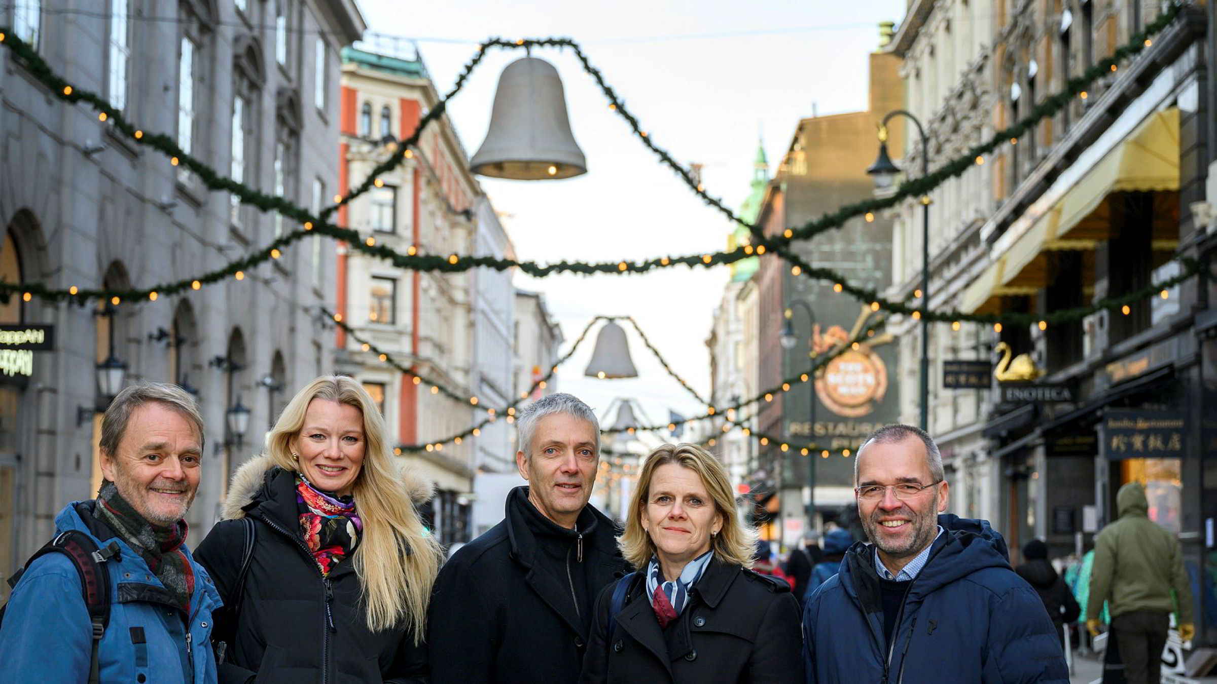 DNs rentepanel. Fra venstre Knut Røed, Kari Due-Andresen, Steinar Holden, Hilde Bjørnland og Ragnar Torvik.