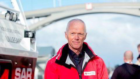 Forsvarstoppen Robert Mood tar over som president i Norges Røde Kors etter at Sven Mollekleiv takker av.