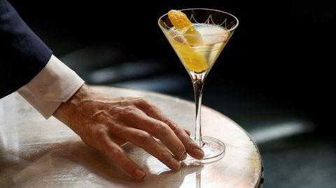 Kaldt kick. En perfekt martini skal være iskald og sterk. Som Ernest Hemingway skrev i «Farvel til våpnene»: «Jeg hadde aldri smakt noe så kjølig og rent. De fikk meg til å føle meg sivilisert.»