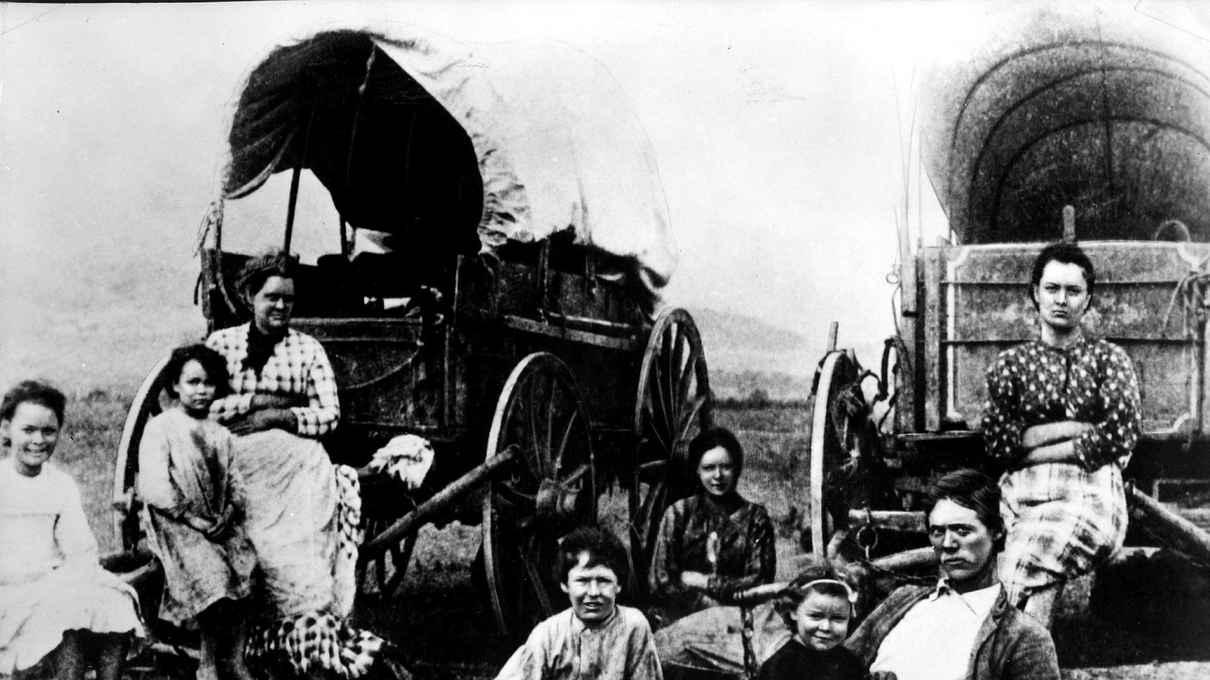 På store deler av 1800-tallet var USA verdens mest egalitære land, skriver artikkelforfatteren. Bildet viser nybyggere på vei vestover langs Oregon Trail til California.