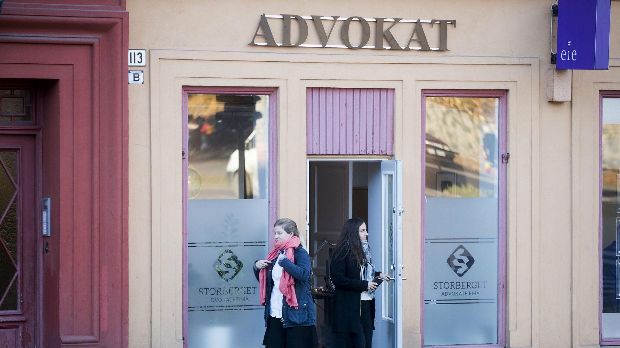 Her gjennomfører Finanstilsynet tilsyn hos advokat Per Storberget i november i fjor. Nå kan ikke advokaten som var oppgjørsmegler for flere salg til Boligbygg lenger operere innen eiendomsmegling.