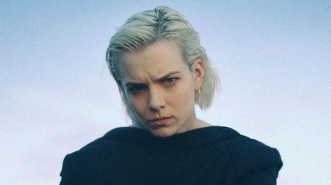 Ellie Linden fra Das Body som albumdebuterer med «Peregrine».