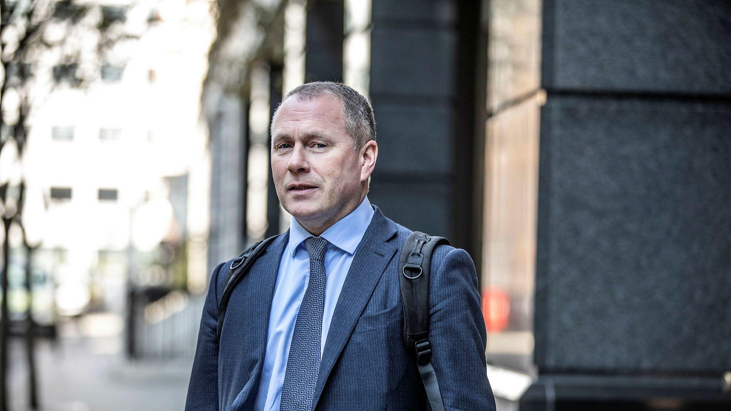 Nicolai Tangen gir bokstavelig talt fra seg milliarder av kroner for å bli statsansatt i Norge. Da er man motivert for å bli sjef for Oljefondet.