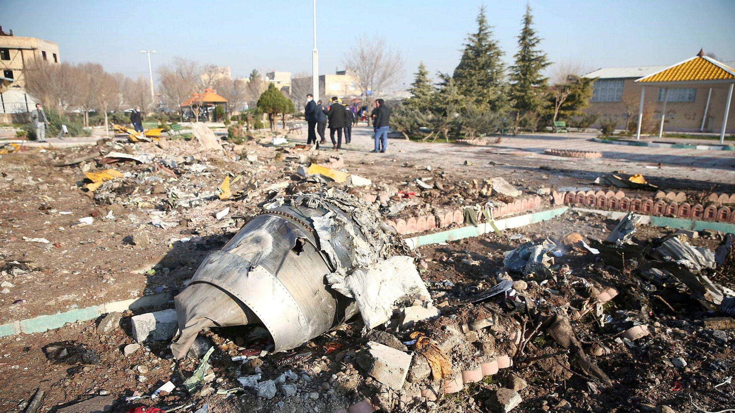 Flyet fra Ukraine International Airlines styrtet like utenfor Teheran.