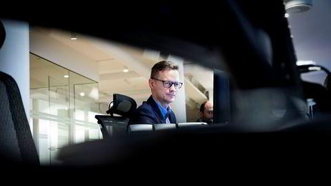 Sjeføkonom Bjørn-Roger Wilhelmsen i Nordkinn Asset Management mener stemningene i finansmarkedene driver kronekursen tirsdag formiddag.