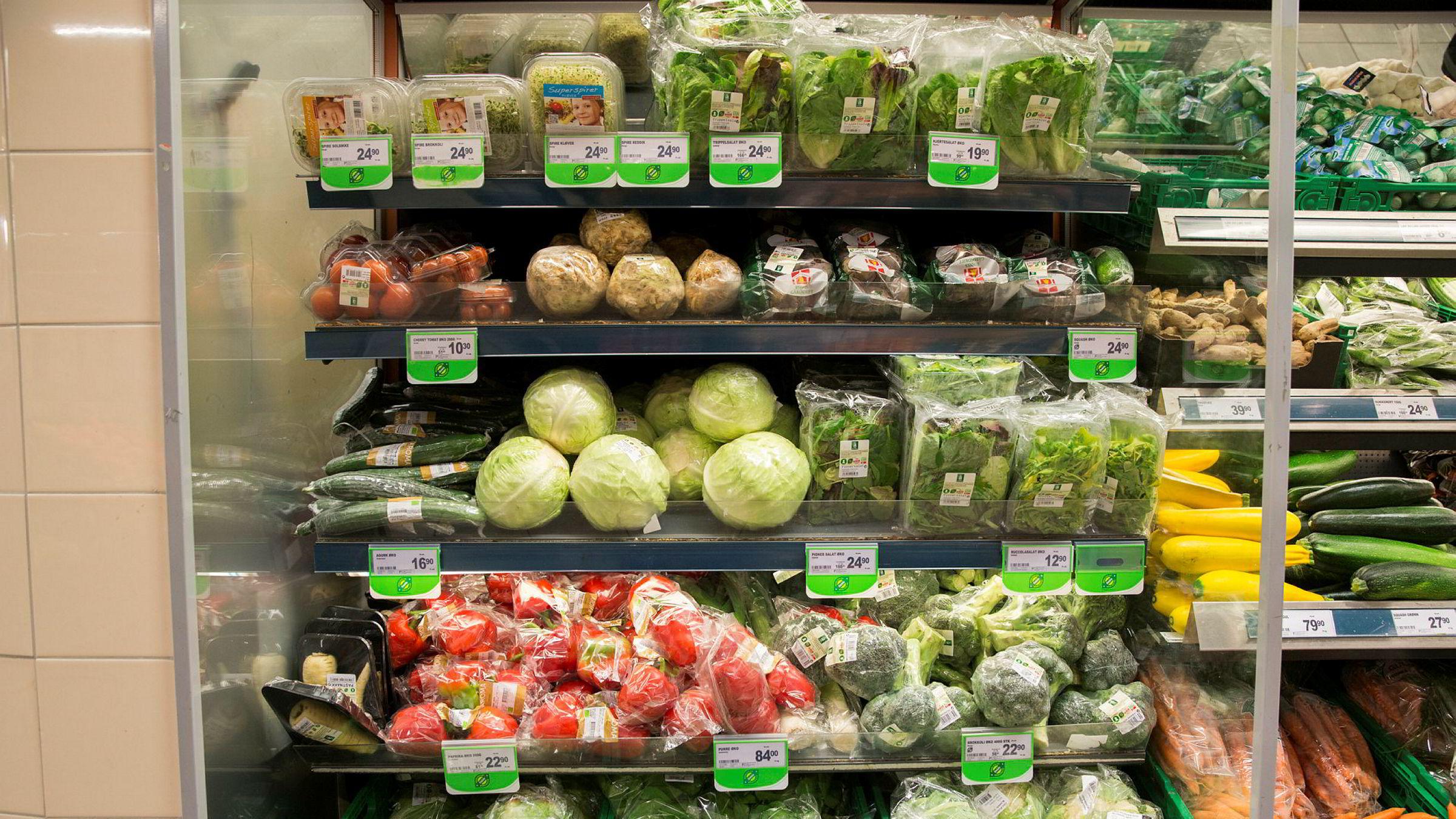 Både kundene og de store matvarekjedene er blitt oppmerksomme på plastproblemet.