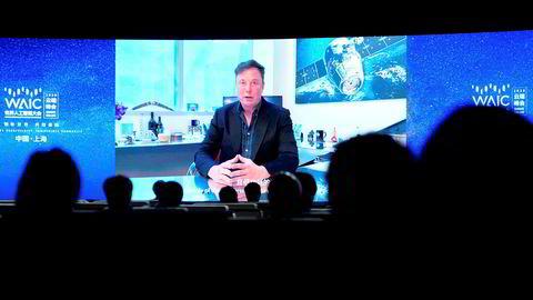 Tesla-sjef Elon Musk hadde spilt inn en videomelding som ble vist på World AI Conference i Shanghai torsdag.