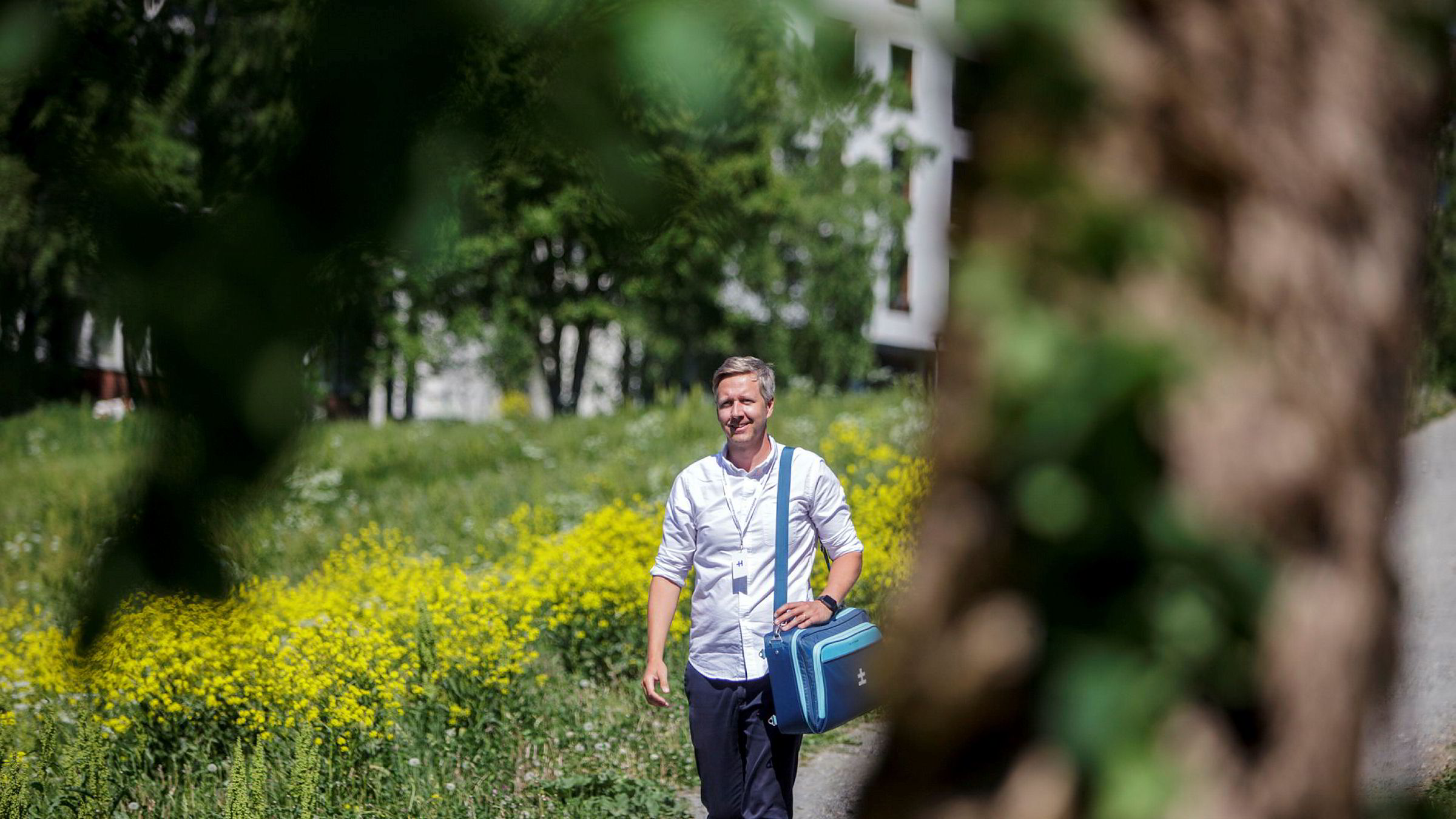 Legen Nicolai Skarsgård er gründer og daglig leder av Hjemmelegene. Han gjør selv noen hjemmebesøk, men holder seg til de enkleste oppdragene. Foto: Javad Parsa