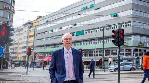 Jusprofessor Hans Petter Graver ved Universitetet i Oslo ble kontaktet av Finansdepartementet etter at han uttalte seg kritisk til vurderingen om at finansministeren ikke kan gripe inn i ansettelsen av ny oljefondssjef.