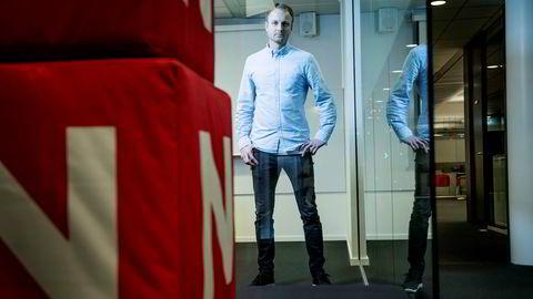 TV 2 Nyhetskanalen er nesten like stor som TV Norge. Kommunikasjonsdirektør Espen Skoland i Discovery tror koronaviruset har dratt nordmenn til nyheter.