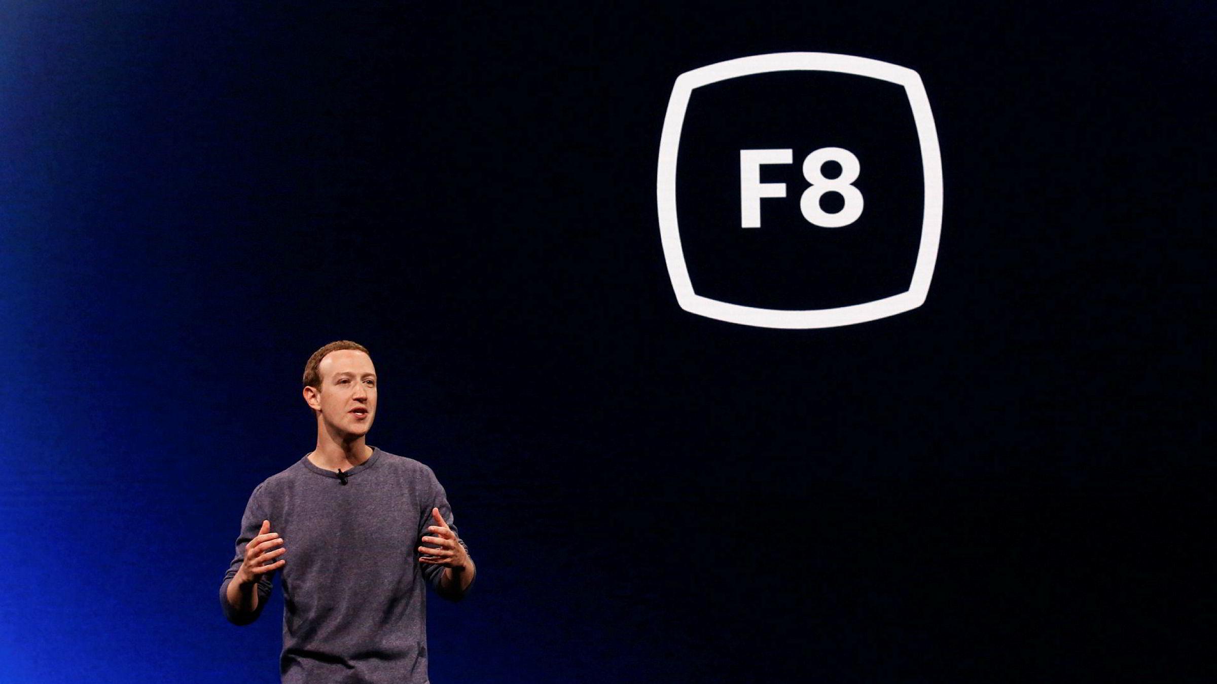 Facebook-sjef og grunnlegger Mark Zuckerberg var raskt ute for å fortelle om de nye retningslinjene på plattformen fredag. Her avbildet i 2019.