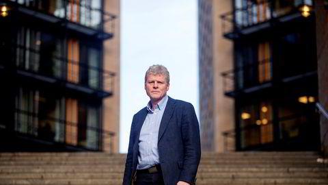 Sven Arild Damslora, leder av enheten for finansiell etterretning i Økokrim, er ikke bekymret for at antall anmeldelser fra hans enhet falt kraftig i fjor. – Det er mange måter å kommunisere etterretningsinformasjon på enn anmeldelser, sier han.