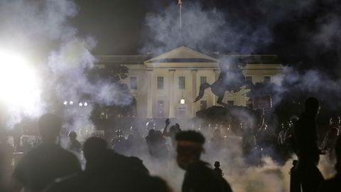Demonstrasjoner utenfor Det hvite hus i Washington.