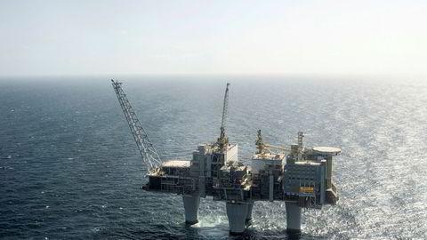 Den høyeste av plattformene, Troll A, består av over en halv million tonn betong og armeringsjern.