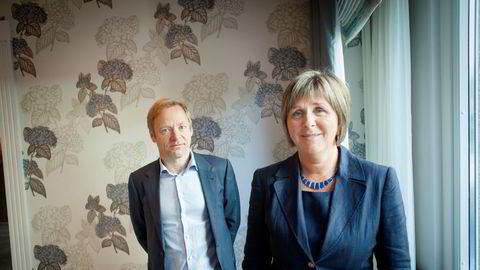 Konsernsjef Mons S. Aase og finansdirektør Hilde Drønen i Dof.