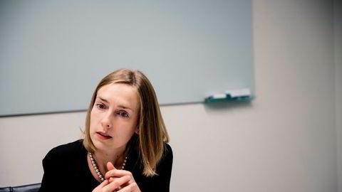 Næringsminister Iselin Nybø forteller at det nå tas ny grep for å hjelpe næringslivet.