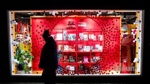 Salget av typiske julegaver falt fem prosent, ifølge tall fra DNB.